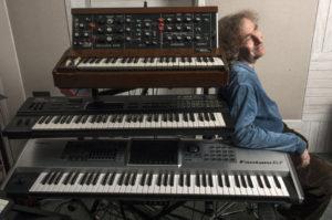 Jean-Philippe et ses claviers (photo Bill Akwa)