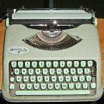 Machine à écrire portable Hermes Baby (cc Dr Nachtigaller)