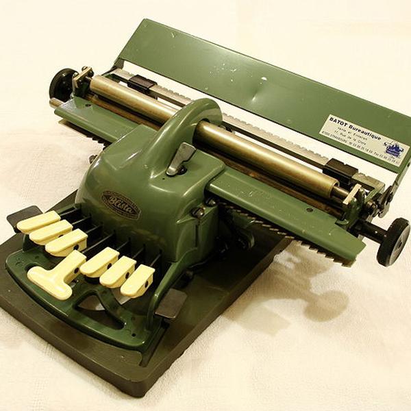 Machine à écrire Blista Braille (cc Rémi Kaupp)