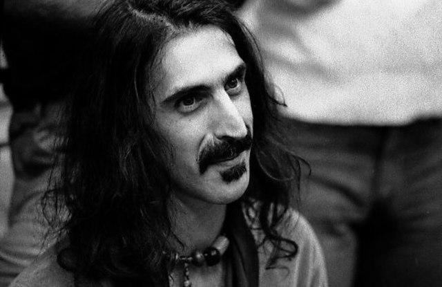 "Portrait Zappa souriant ""famous mustache"""