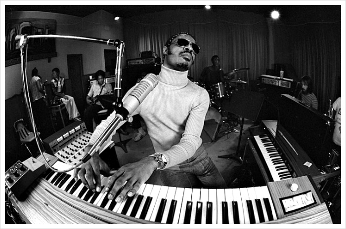 Stevie en studio années 70 (photo N&B origine inconnue)